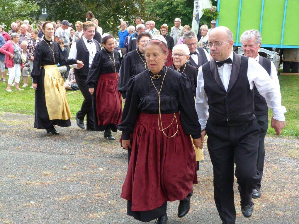 Le Cercle celtique Kreiz Breiz de Loudéac a animé la fête &quot&#x3B;Chasse et Nature&quot&#x3B; à Plessala