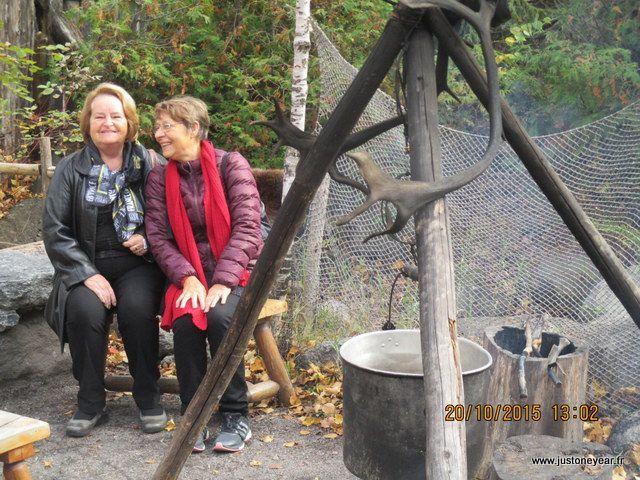 ci dessus Annie avec Livette (notre amie Servas) elle a eu la gentillesse de nous amener  à Wendaké&#x3B;