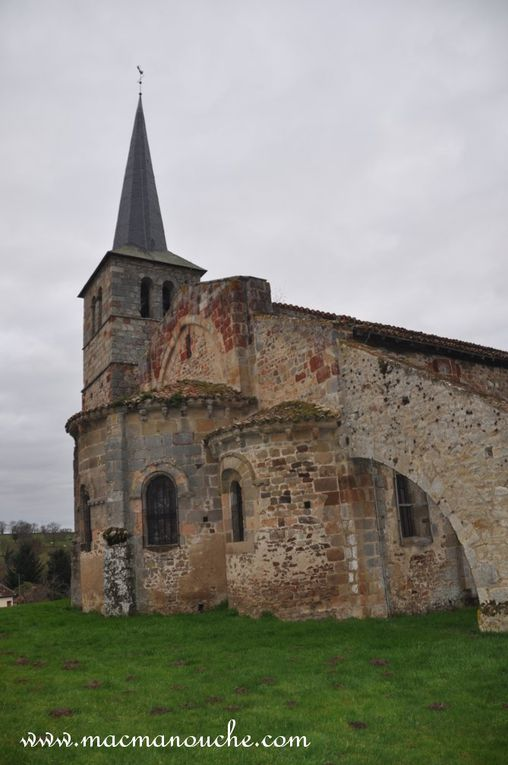 Diaporama de l'église de Murat et de son  chevet. (5 photos)
