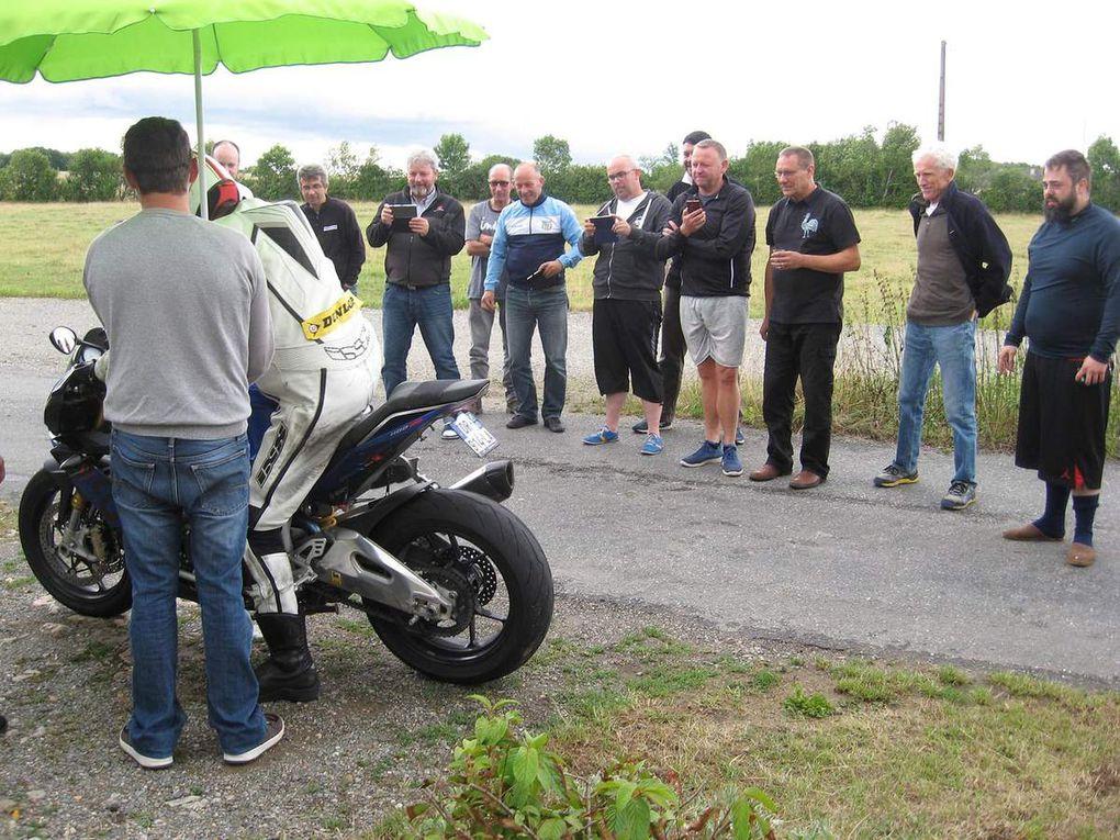 Etape 2 : La Moto !!! Aprilia Tuono 1100 RR