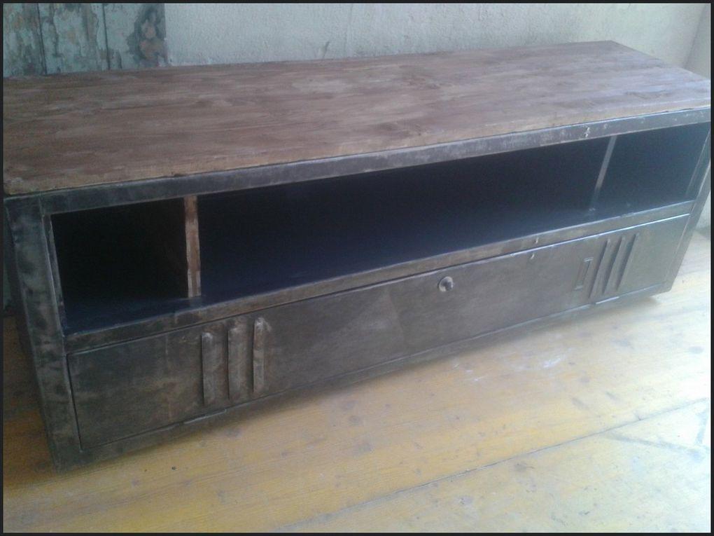 Meuble tv industriel vintage le blog de la salamandre for Meuble industriel