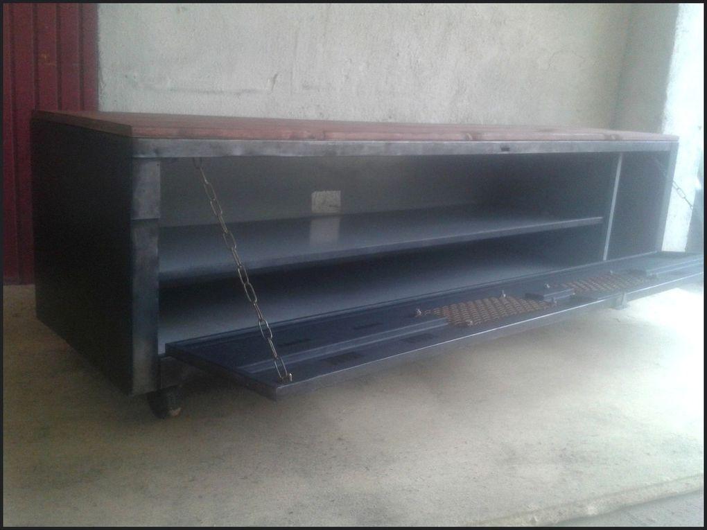Meuble TV industriel métal