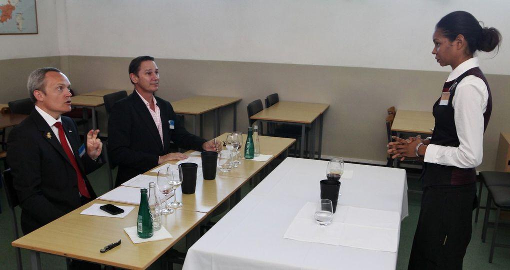 La demi-finale avait pour cadre l'école hôtelière Sir Gaëtan-Duval. Les différentes épreuves ont permis de retenir les trois meilleurs candidats.  © Jean Bernard