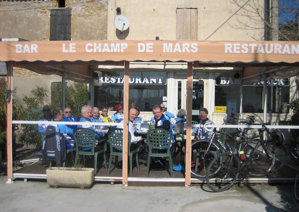 2009, 2010... tous assis à une même table (photos de Daniel)