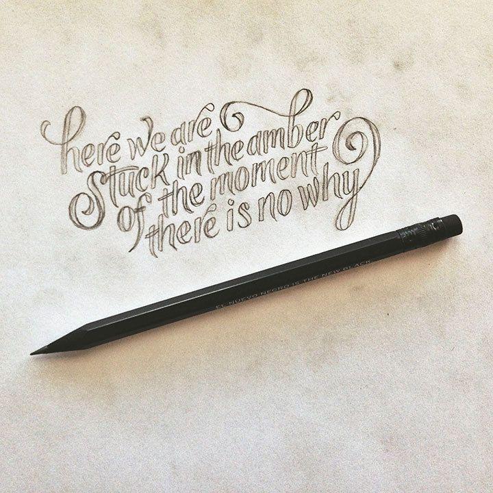 Traductions : Prend un bout de mon coeur et fait le tien et quand nous serons séparés tu ne sera jamais seule / Nous sommes là , cioncés dans l'ambre du moment , il n'y a pas de pourquoi .