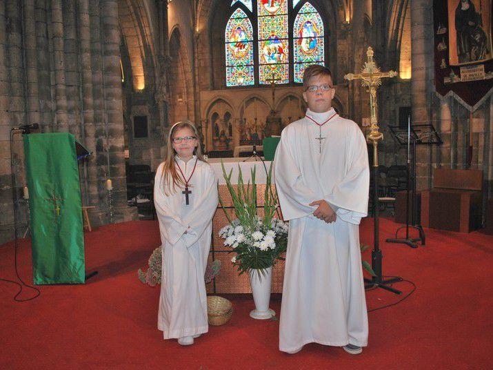 Baptiste et Rose, nouveaux servants d'autel