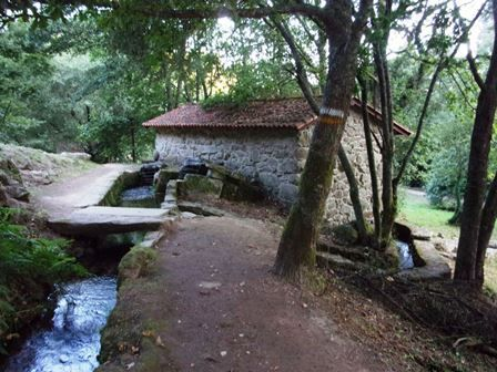 Armenteira : quelques images sur les moulins de la Ruta de la Piedra y del Agua, la Route de la pierre et de l'eau.