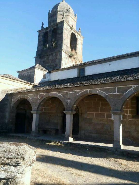 Dans les villages, église et fontaines..