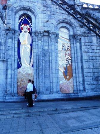 Lourdes : la basilique mariale.