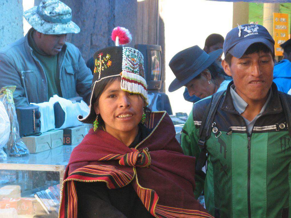 Sucre, ville blanche,  terre ocre, marchés colorés..... Et routes bloquées! 10/17 juillet 2015