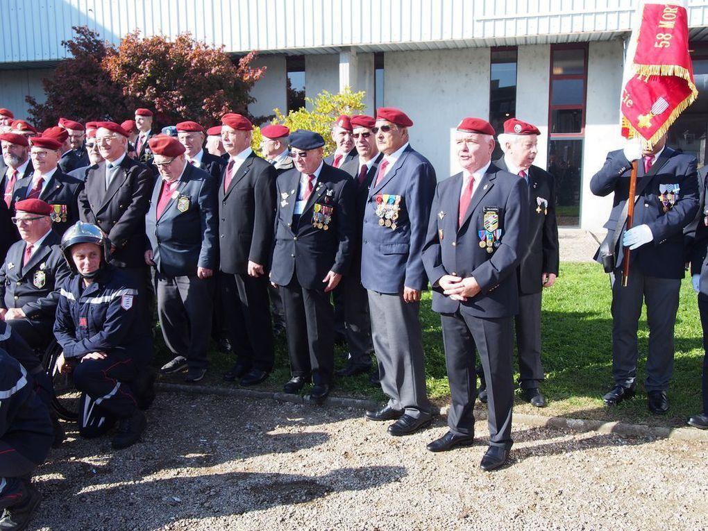 PhotoS de la commémoration du 30/10/2016 à St Amand-Montrond dans le Cher organisé par la Section UNP 180, à la mémoire des 55 Parachutistes du 1er RCP et 3 du 9em RCP, morts pour la France dans l'attentat de l'immeuble du Drakkar à Beyrouth le 23/10/1983. Invités d'honneur par le Maire Mr Thierry VINCON ,le Général PIQUEMAL , le Major Omer MAGDELEINE (extrait des décombres au bout de 6h) , ainsi que 4 rescapé et leurs familles.