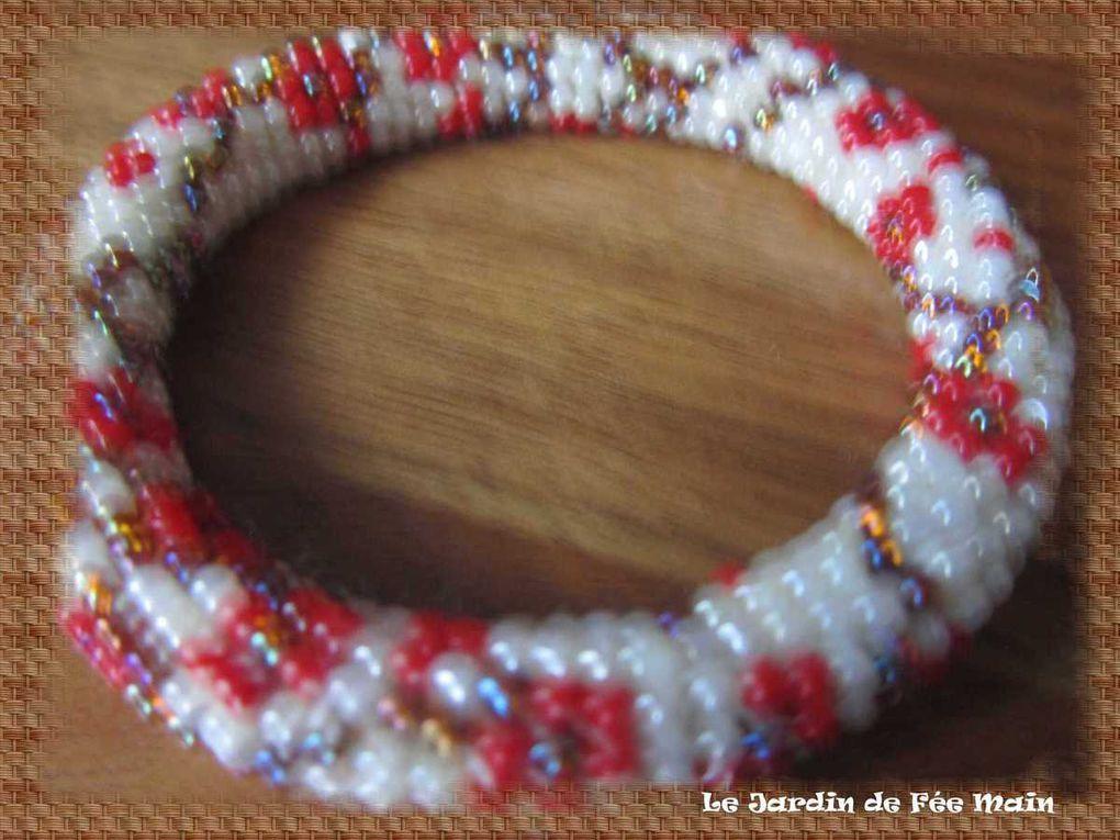 Bijou spirale perle au crochet