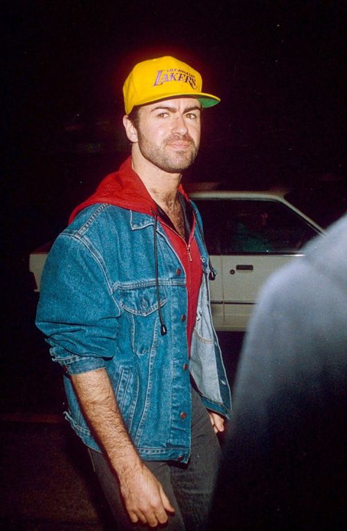 EN IMAGES - Mort de George Michael : sa carrière en 7 looks
