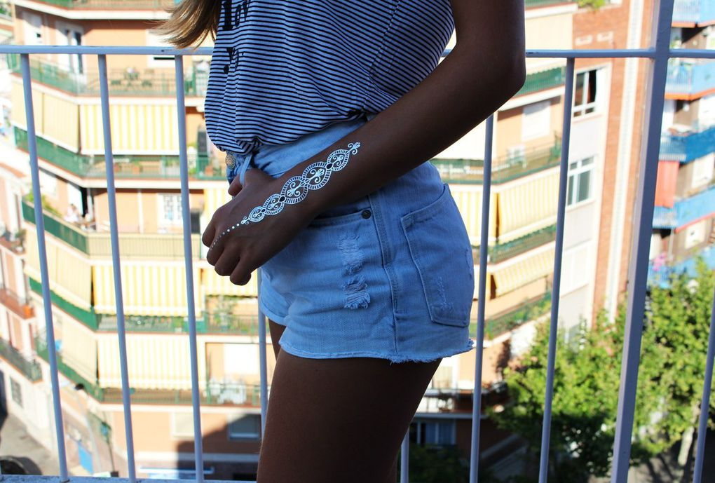 top Mango // short H&M // lunettes Zerouv // flashtattoo