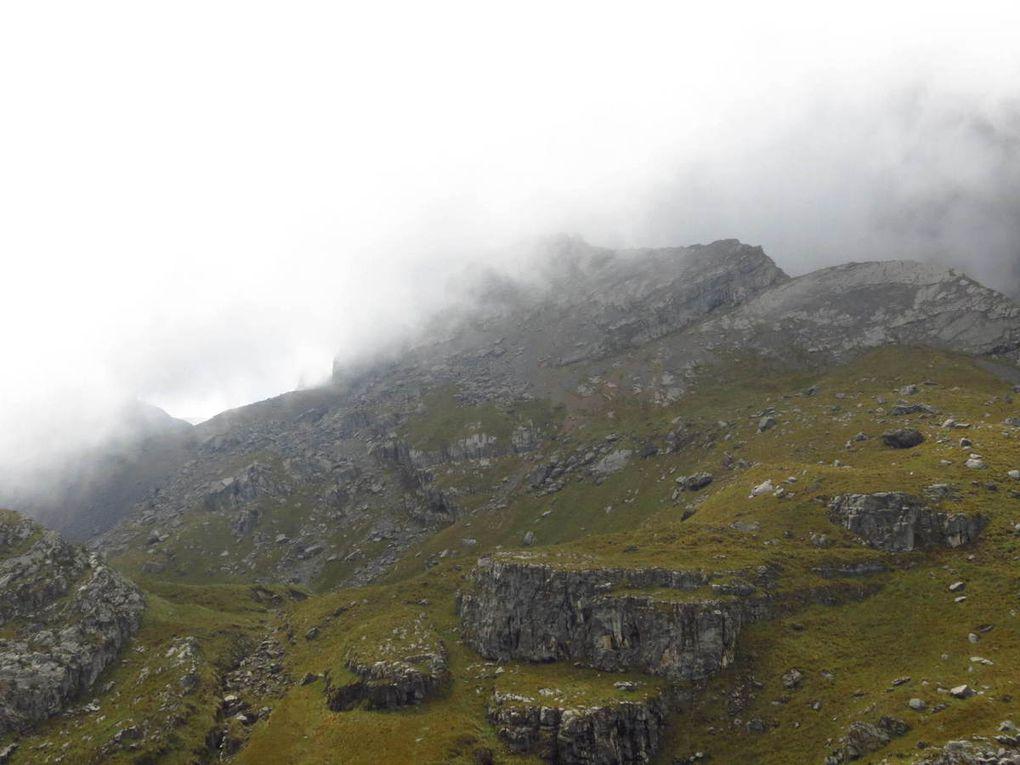 Un peu plus loin sur le chemin qui nous mène au sommet de l'Ampay. À partir de là, je vais continuer tout seul la conquête de l'Ampay.