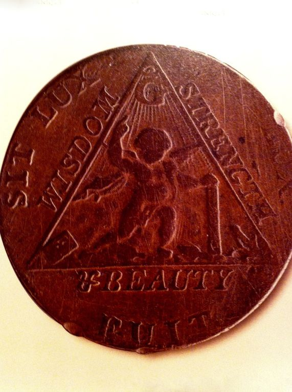 Médaille frappée à l'occasion de l'élection du Prince de Galles en tant que Grand Maître. Angleterre 1790.