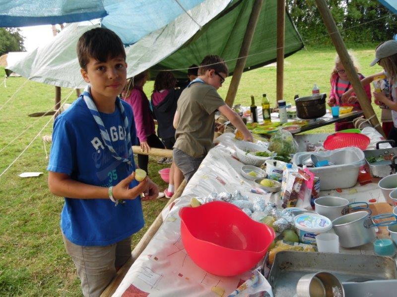 REPORTAGE AU CAMP LOUVETEAUX-JEANNETTES