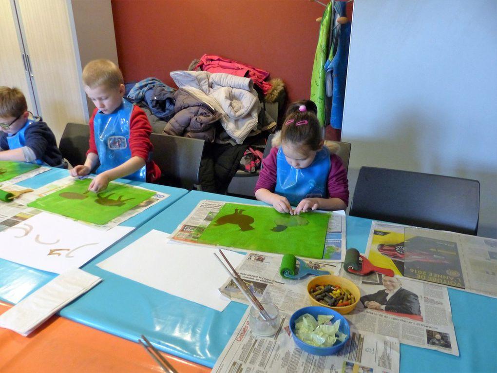 Des artistes bien concentrés à l'oeuvre !!