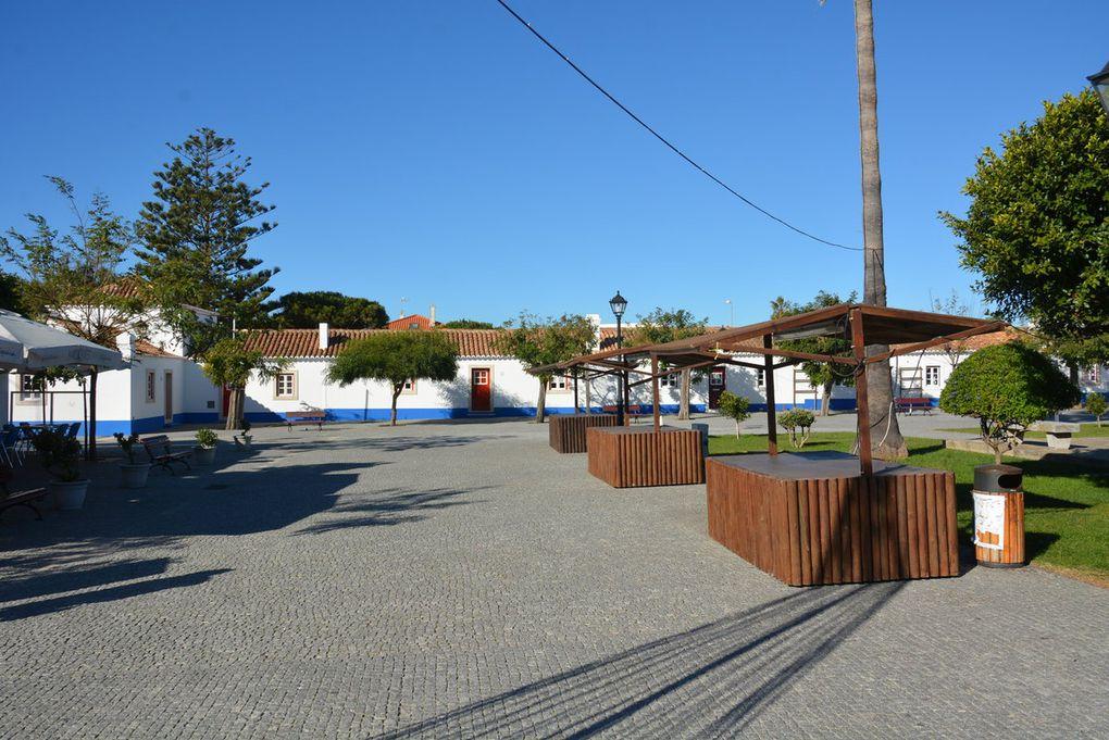 Porto Covo, joli village blanc et bleu