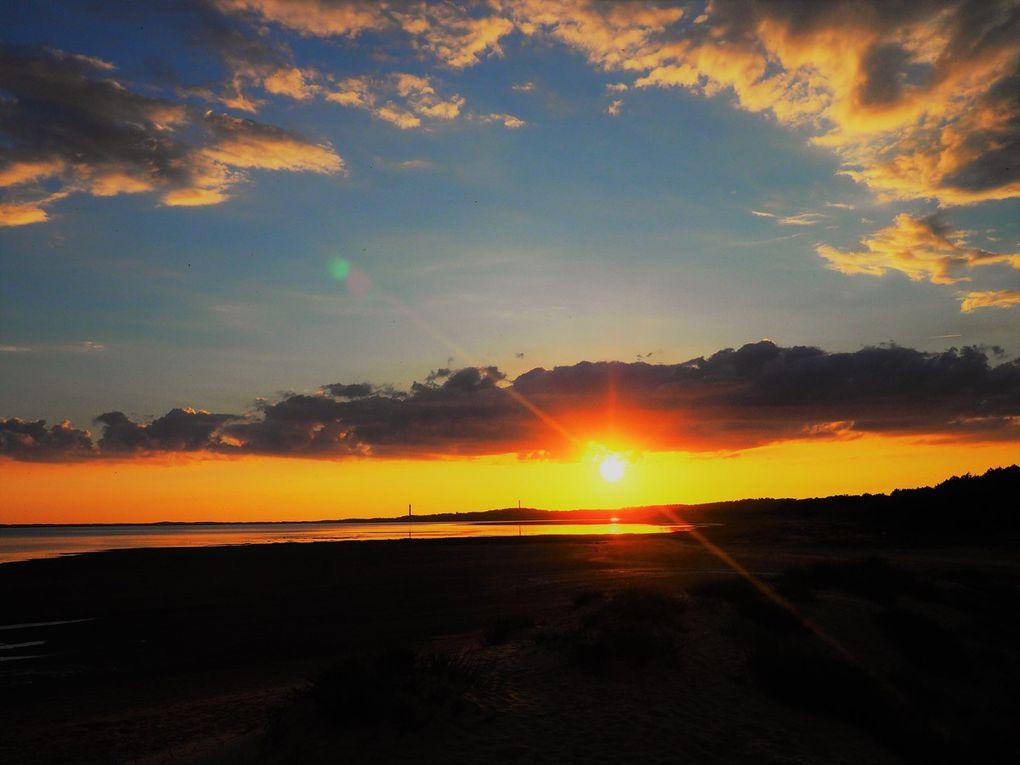 photos prises sur la plage devant le village de vacances Touristra la grande baie