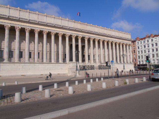 Anciennes prisons St Paul et St Joseph transformées en campus universitaire - Quartier St Jean - Jardin du musée des Beaux Arts.