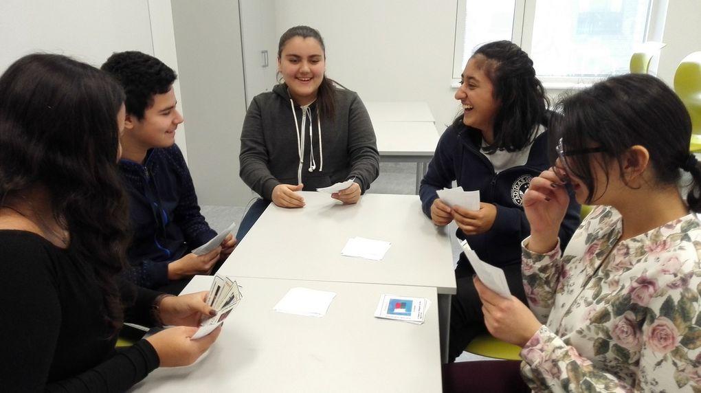 Les élèves du  collège Haugenstua d'Oslo et leur professeur Solena Pradayrol vous proposent de tester vos connaissances sur la francophonie. Découvrez le jeu dans la boîte à jeux du blog. .