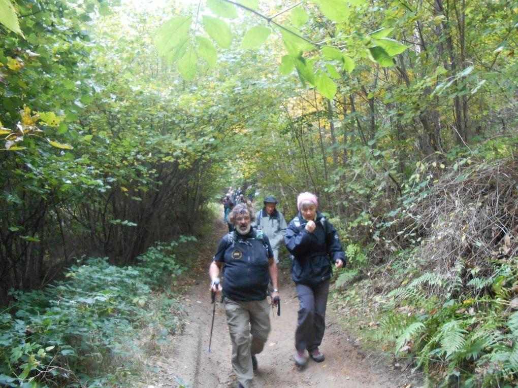 Passage a Villeneuve, le Chaumas et retour par les sous bois a la Tourette. Une belle balade bien agréable.