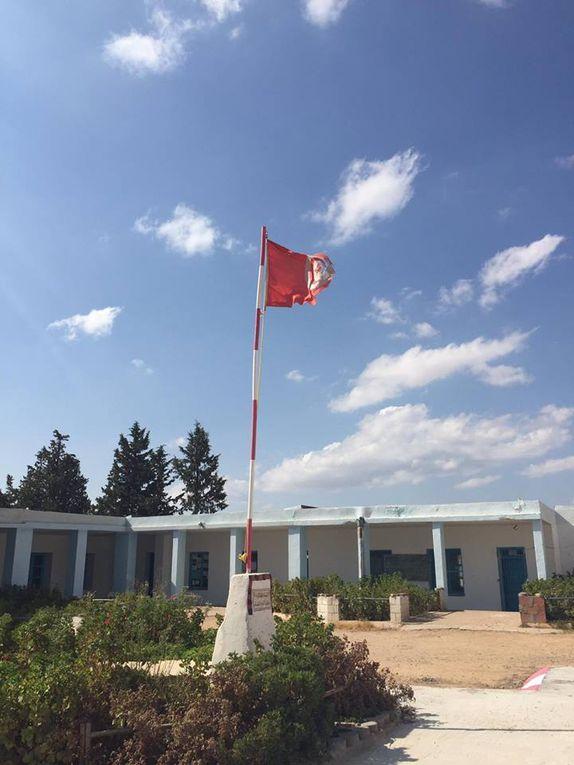 En vrac, l'hôpital , le dispensaire, l'école, les dépotoirs, le drapeau, les kasserinois....