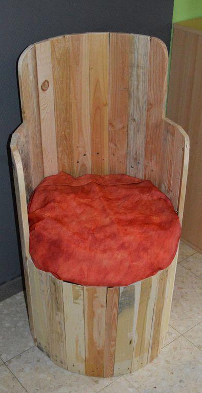 Chaises en r cup ration de palettes de bois meubles en - Meubles en palettes de recuperation ...