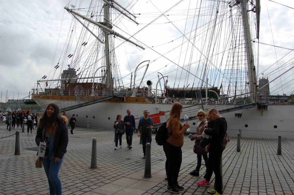 During Erasmus+ Body Mobility, pupils learnt about the life of teenagers who wants to be sailors in the beginning of the XXé century. Not an easy life (Small place to sleep, lot of work on boat, hygiene...)