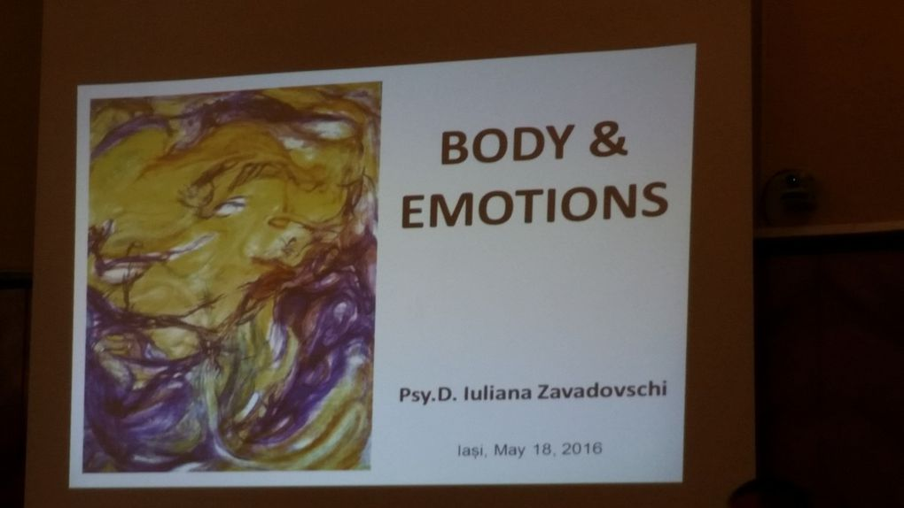 Lecture at the university of Jasi about body and emotions. Students learnt how to build a positive thinking