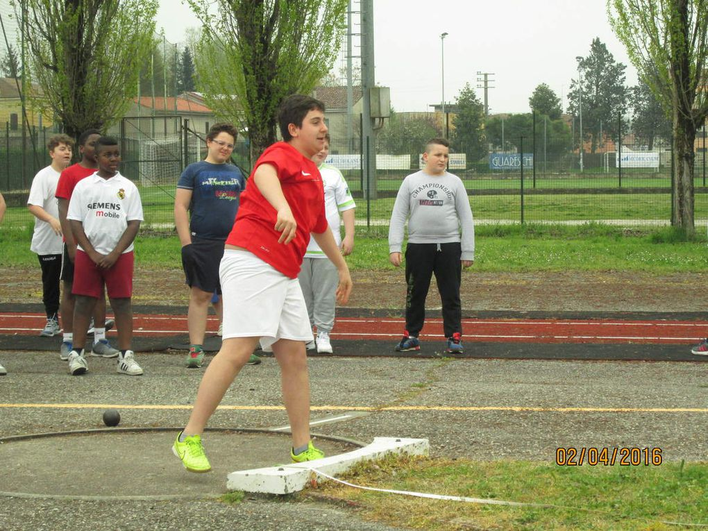 In our school students take oart in athletics contests both at local and regional levels. These competitions are useful for them to adopt healthy habits and turn into balanced adults. They learn to control themselves and their emotions even in difficult situations, they learn to respect the others and to accept failures