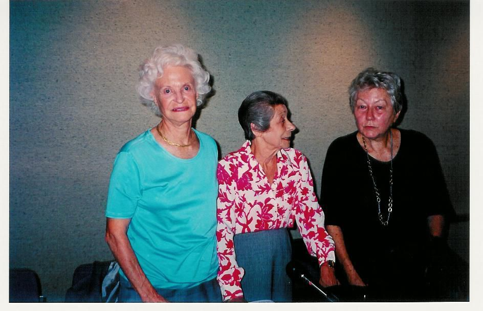 """EHPAD de Sainte-Marie actuel &#x3B; Maison de Repos Sainte-Marie ancienne &#x3B; photos (ma collection personnelle) de déportées prises à Saint-Lary en 1997 lors de la remise de la légion d'honneur à Mme Renée Sarlabout par Mr Masseret ministre des Anciens Combattants et lors d'un dîner le lendemain à Saint-Bertrand de Comminges : elles ont vécu l'horreur et pourtant, elles riaient, plaisantaient et ont fait tourner en bourrique la guide du patrimoine des Olivétains de Saint-Bertrand qui m'a dit en riant gentiment """"qu'elles étaient pires que des gamines !"""" Elles n'avaient pas oublié et en témoignaient toujours mais elles étaient simplement des monuments d'humanité."""