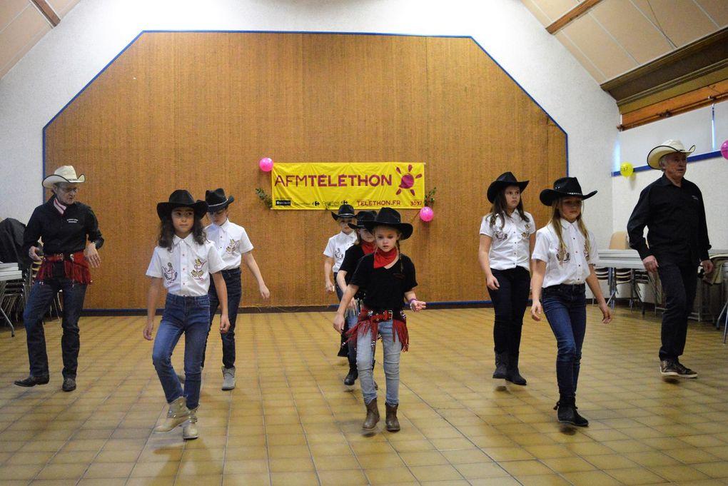 Une belle prestation de nos juniors country girls qui fut appréciée par le public présent