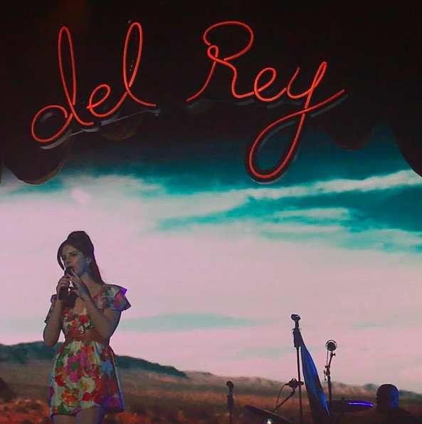 Lana Del Rey au festival Corona Capital à Mexico (20/11/2016)