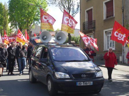 Cholet : près de 200 manifestants dans un 1er mai unitaire, revendicatif et internationaliste !