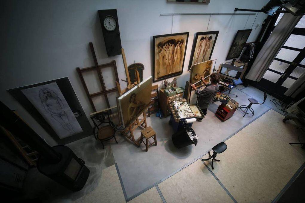 France, Europe. Louis Treserras peintre, photographes et Berit Hildre sculptures .