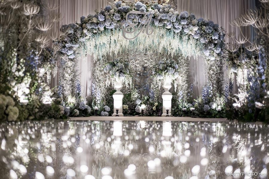 A few $100,000 of flowers for your wedding?