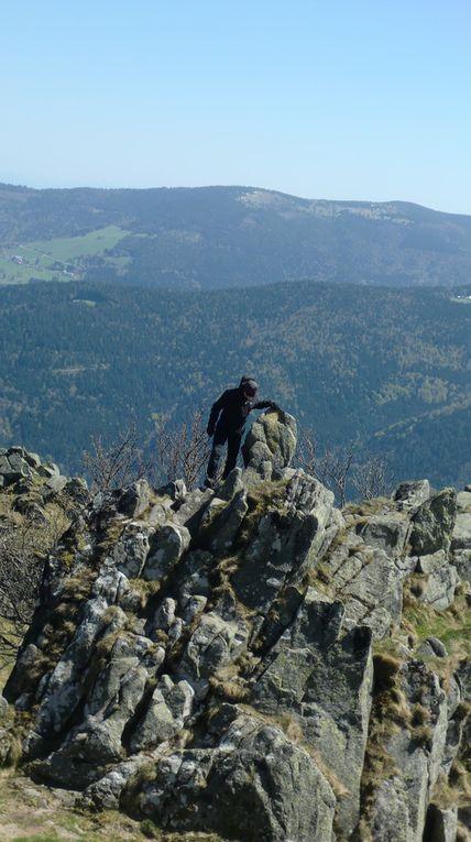 J'en profite pour grimper sur le rocher final de l'arête et pour prendre quelques photos.