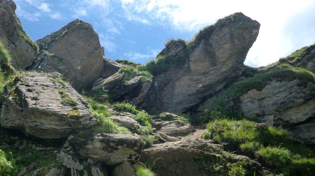 Le passage délicat dans les rochers. C'est vrai qu'il faut être prudent, mais il ne présentera aucune difficulté pour nous.