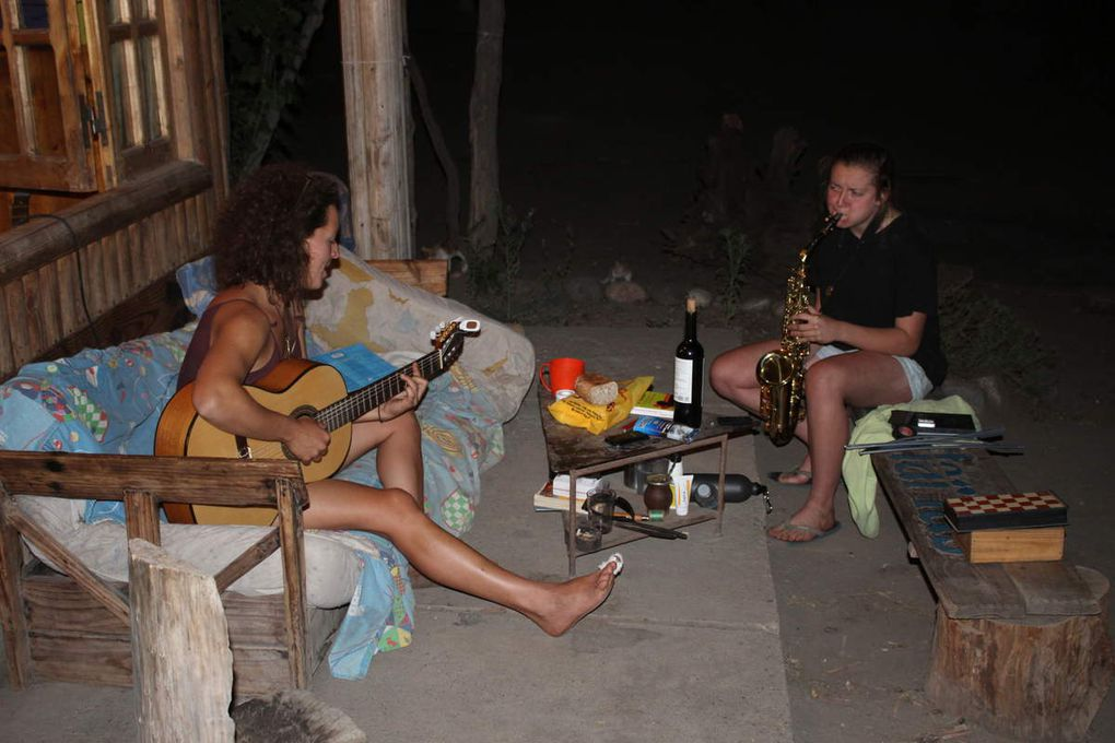 Elodie est arrivée et a ajouté une touche de saxo à l'ambiance, buena onda!