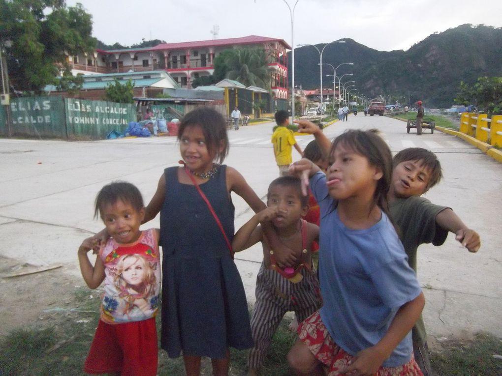 Enfants qui adorent se faire prendre en photo