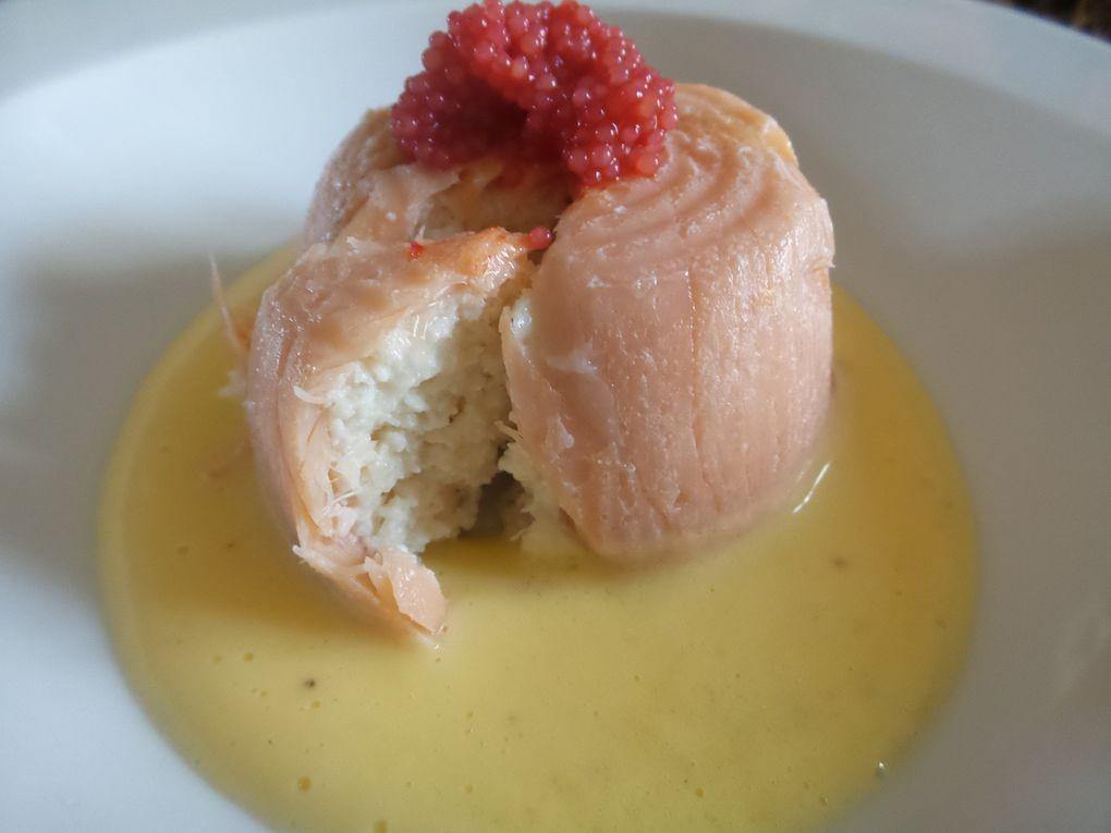 Pâtés de Saint-Jacques, saumon fumé et sauce beurre-citron.
