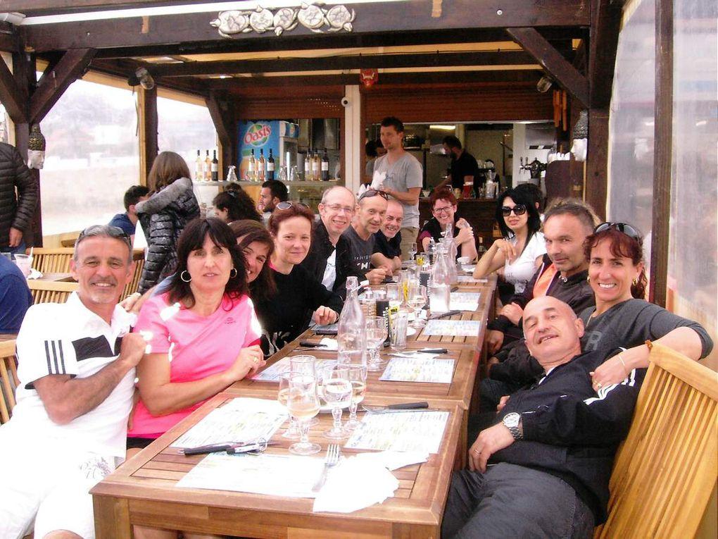 """Les repas : dans notre mobil home et """"chef Fabien"""" sur la plage de Carry"""