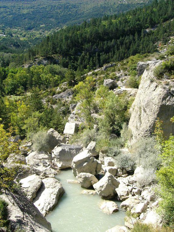 Pour nous c'étais le parcours de 78 kms mais plus exactement 83 pour nous. Joli parcours dans la Drôme au départ de Die, petit bémol... les ravitos light ! mais de très beaux paysages tout le long.