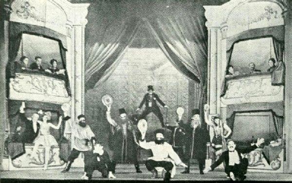 CHARLIE CHAPLIN dans la troupe ambulante de FRED KARNO