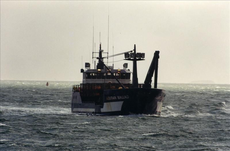 VIDEO - a rogue wave hits a crabbing boat in the Bering Sea