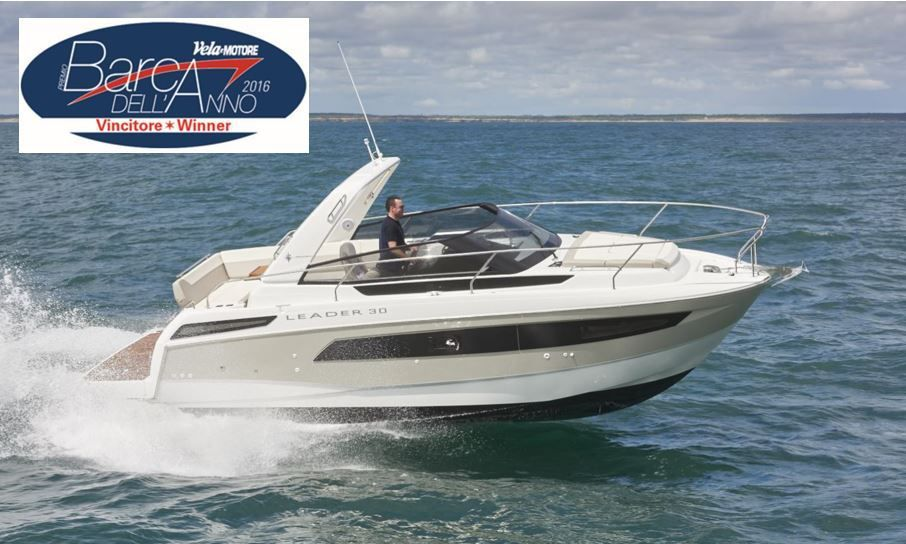 The new Jeanneau Leader 30 wins  the Barca Dell'Anno award in Italy