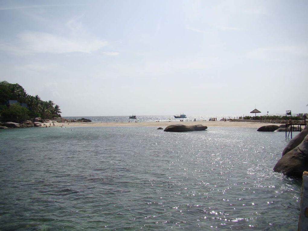 (Ko Nang Yuan et sa plage qui sépare la mer en 2 parties avec le spot de Japanese garden)
