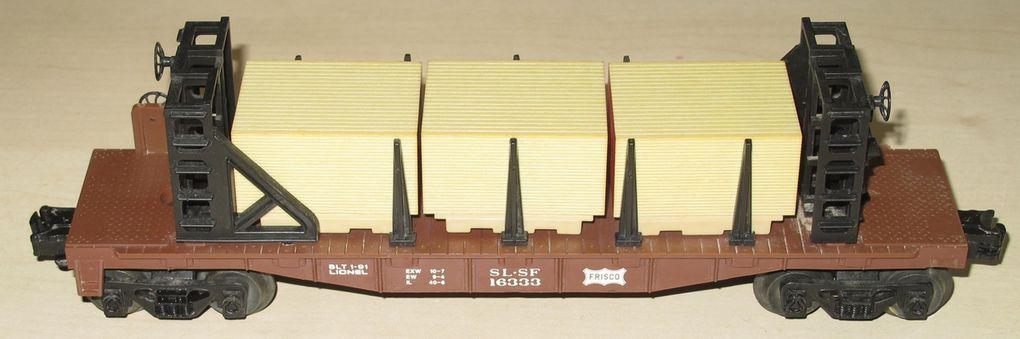 Wagon Bulkhead Flatcar w/Load Frisco 3 rails échelle O Lionel